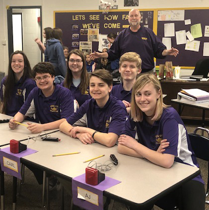 Mound City Scholar Bowl gets ready to compete