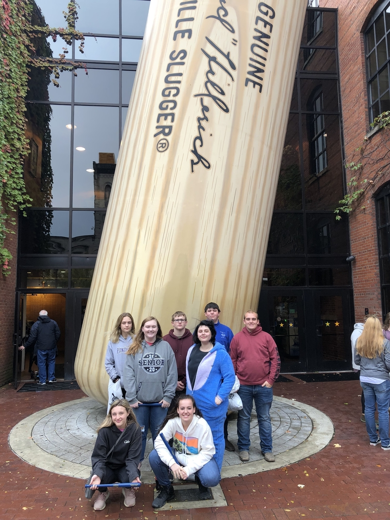 Mound City FFA visits Louisville Slugger Factory and Museum while at Nationals.